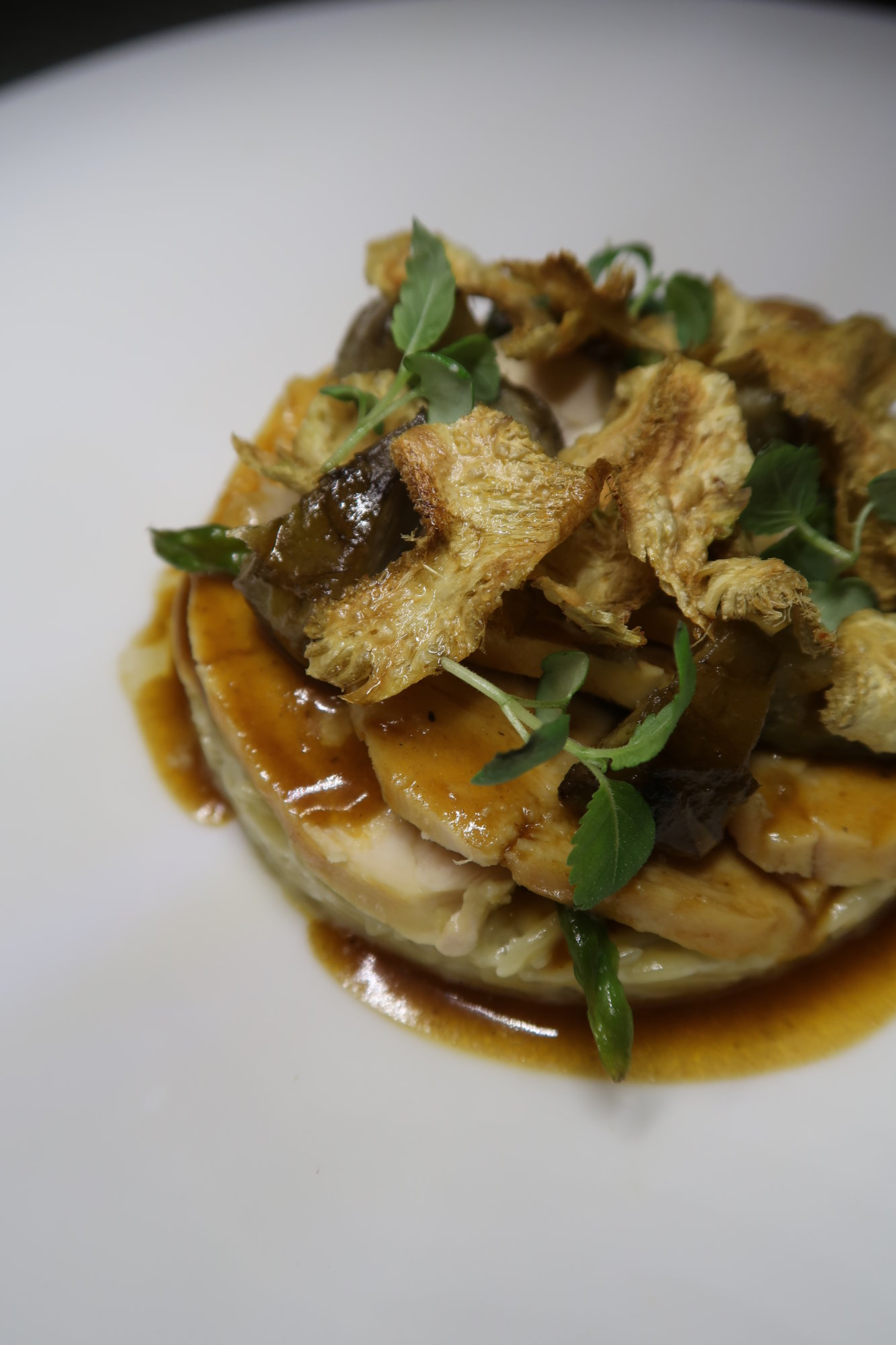 101 Dining Lounge and Bar: Champagne Wishes and Haute Cuisine Dreams.